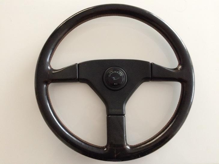 ダイハツ シャレード デ・トマソ 純正 MOMO steering wheel